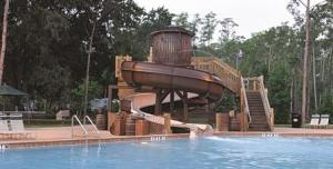 Fort-WIlderness-Cabins-Pool